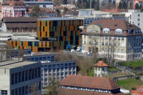 Le Varis, l'école du Bourg et le quartier d'Alt