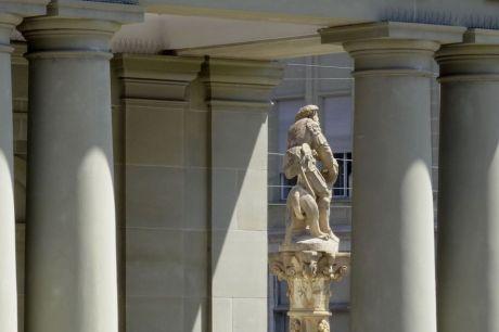 Le Bourg Renaissance, fontaine de Samson
